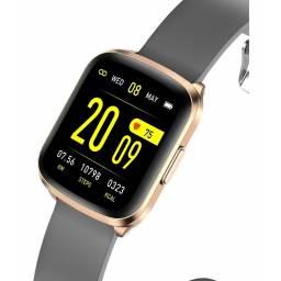 Smartwatch Hyundai P250 Gold  Dorado